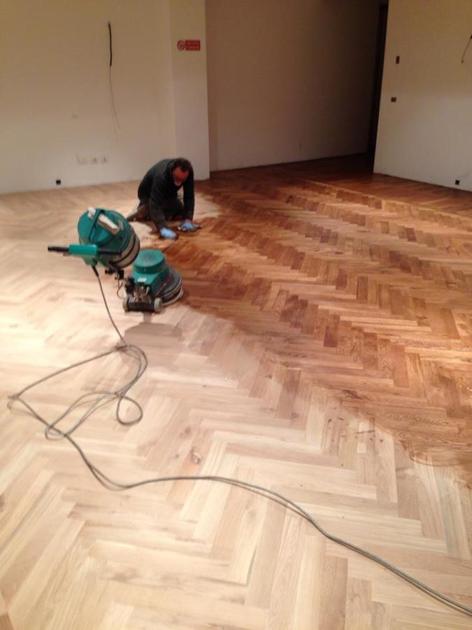 piso-de-madeira-ou-ceramica-Manutencao-em-piso-de-madeira