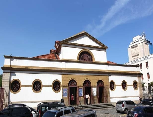 arquitetura-francesa-edificio-da-praca-do-comercio