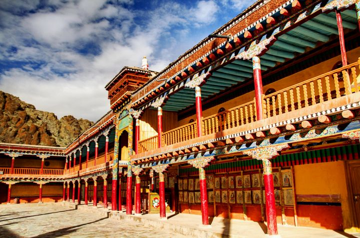 arquitetura-indiana-Monasterio-de-Hemis