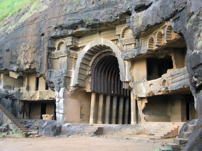 arquitetura-indiana-caverna-de-bhaja