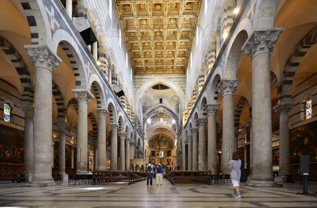 arquitetura-medieval-Catedral-de-Santa-Maria-Duomo-di-Pisa