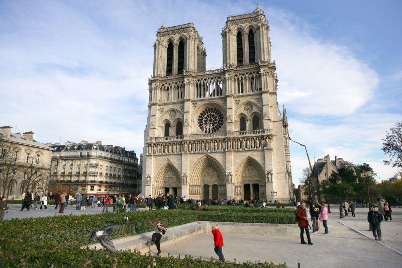 arquitetura-medieval-catedral-de-notre-dame