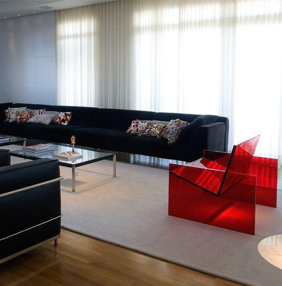 marcos-bertoldi-decoracao-com-as-cores-preto-e-vermelho