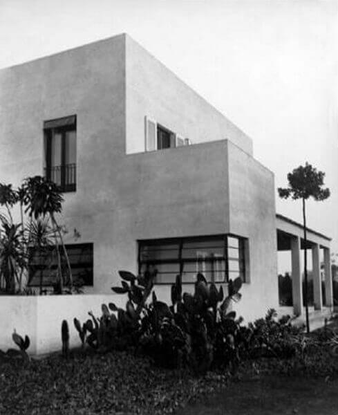 Casa Modernista: Lateral