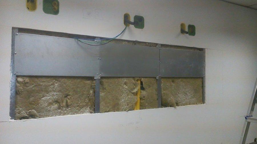 Como fazer reforço em parede de drywall: Abertura em parede drywall para instalação de reforço