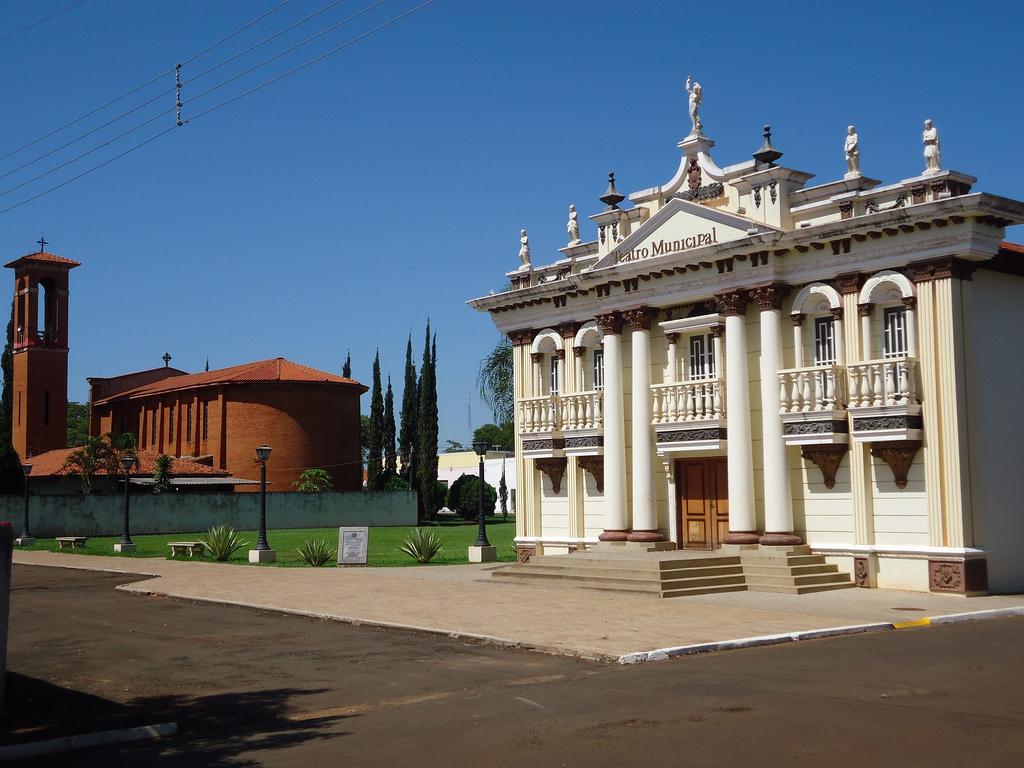 arquitetura italiana Pedrinhas Paulista teatro municipal