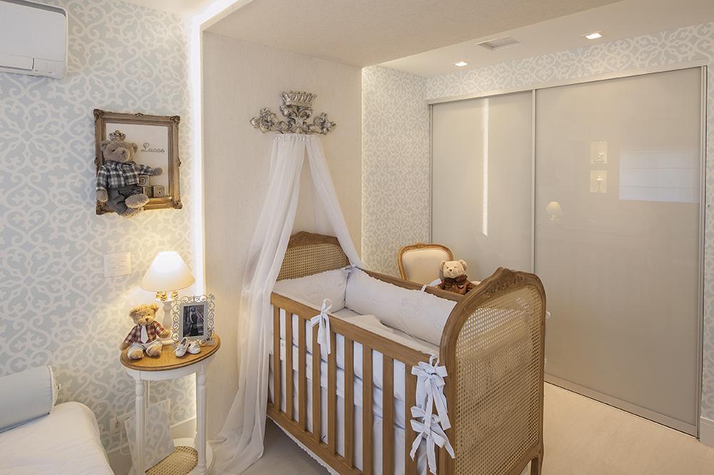iluminação para quarto de bebê: fita de led em volta do berço