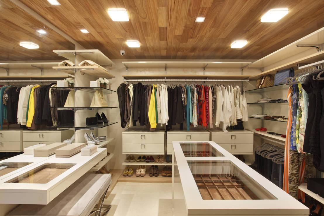 Iluminação de closet em acrílico