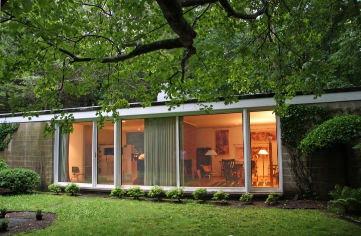 Philip Johnson: Booth House