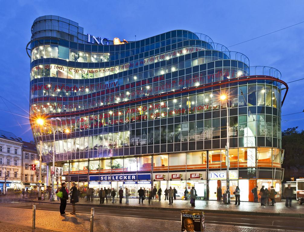 Jean Nouvel: Immeuble Zlaty Andel