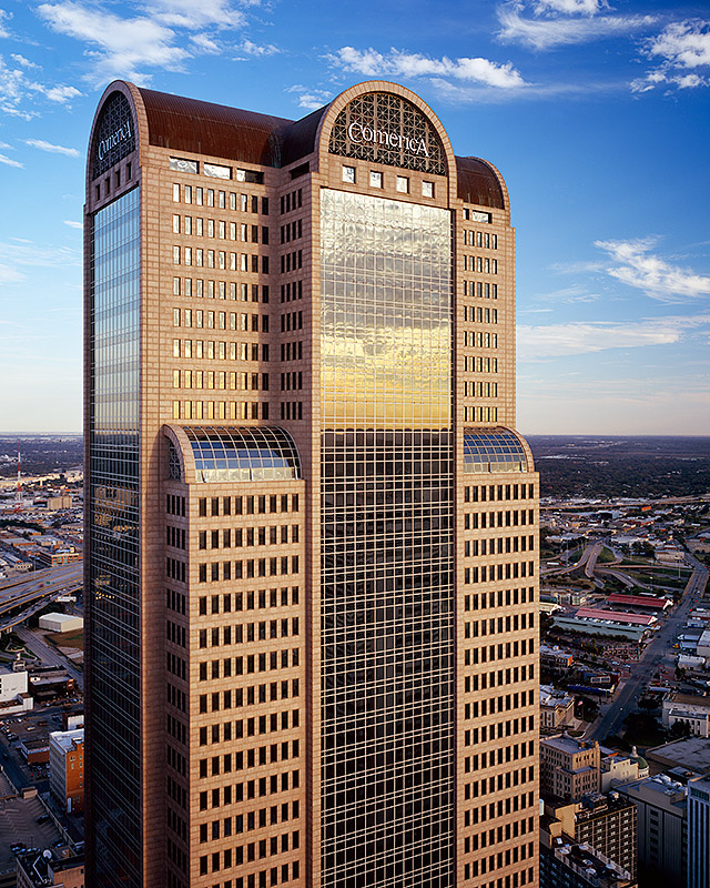 Philip Johnson: Comerica Bank Tower