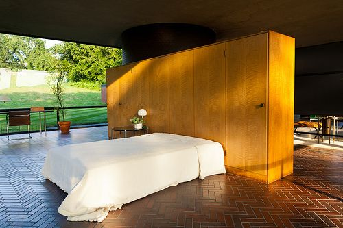 Philip Johnson: cama e armário da Glass House