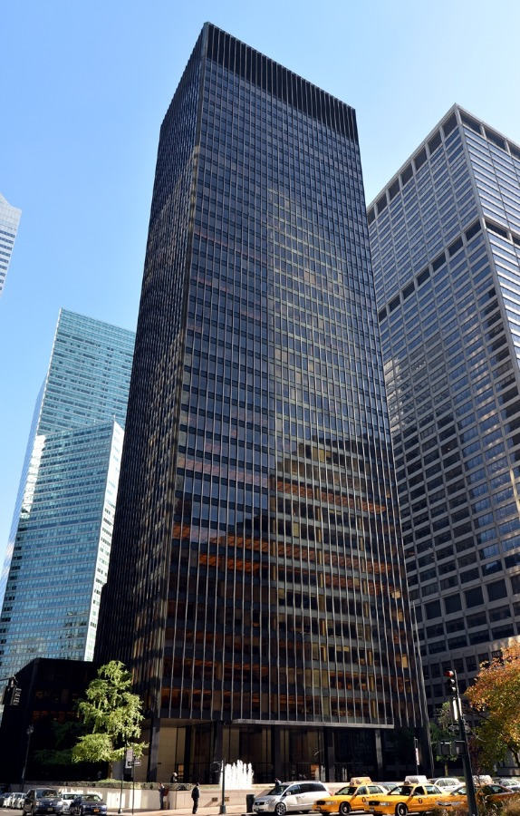 Philip Johnson: Seagram Building