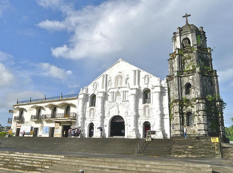 Arquitetura espanhola: Igreja de Daraga