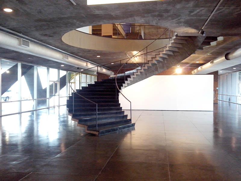 Affonso Eduardo Reidy: Museu de Arte Moderna do Rio de Janeiro (escada)