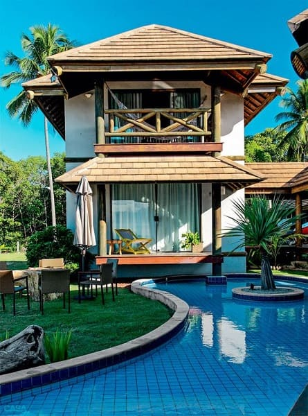 Projeto de Casa de Praia: varanda com bambu
