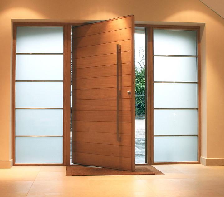 Proyectos de viviendas adaptadas para personas mayores: puertas grandes
