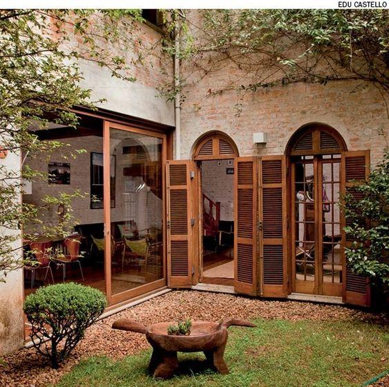 Tipos de porta: porta balcão