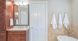 tipos-de-portas-para-banheiro