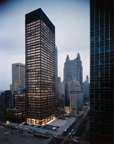 International Style: Seagram Building