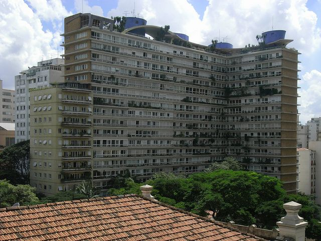 João Artacho Jurado: Edifício Bretagne
