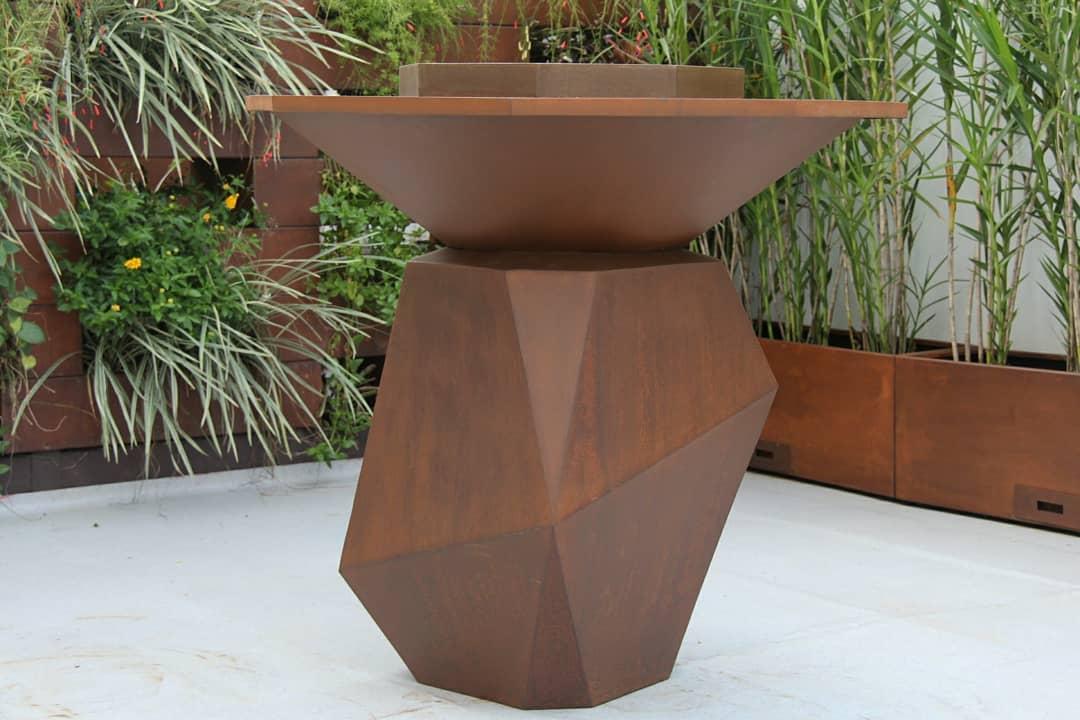 O que é aço corten: lareira externa de aço corten