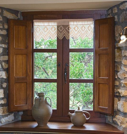 Tipos de janelas: janela de madeira