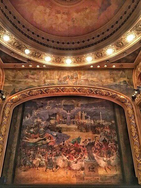 Art Nouveau: Sala de Espetáculos do Teatro Municipal do Rio de Janeiro decorada por Visconti