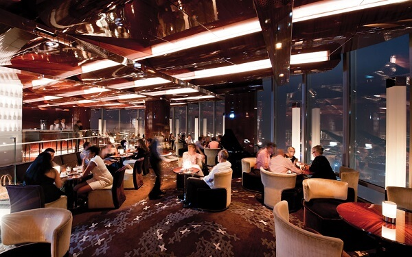 Burj Khalifa: At Mosphere Grill e Lounge, restaurante no prédio mais alto do mundo