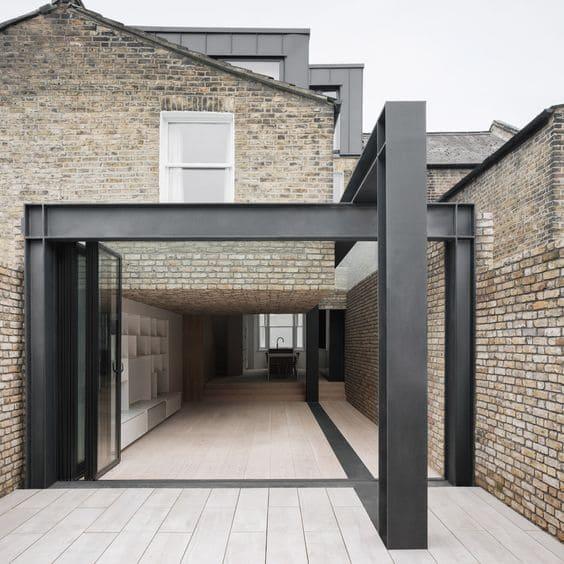 Steel Frame: estrutura metálica na fachada (foto: Pinterest)