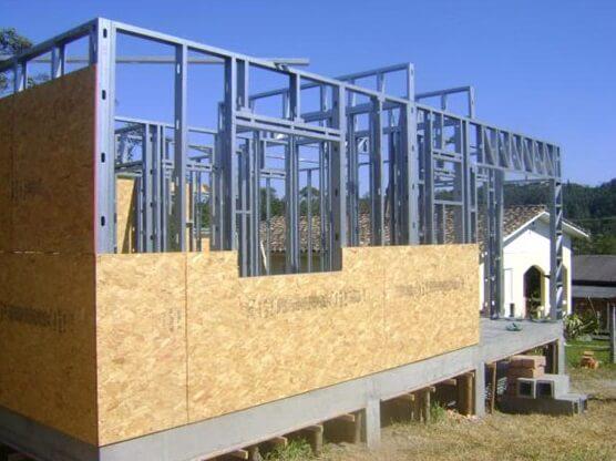 Steel Frame: preenchimento com placas