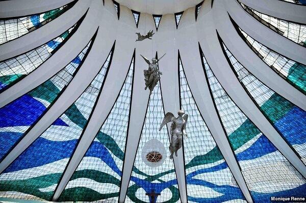 Catedral de Brasília: Vitrais