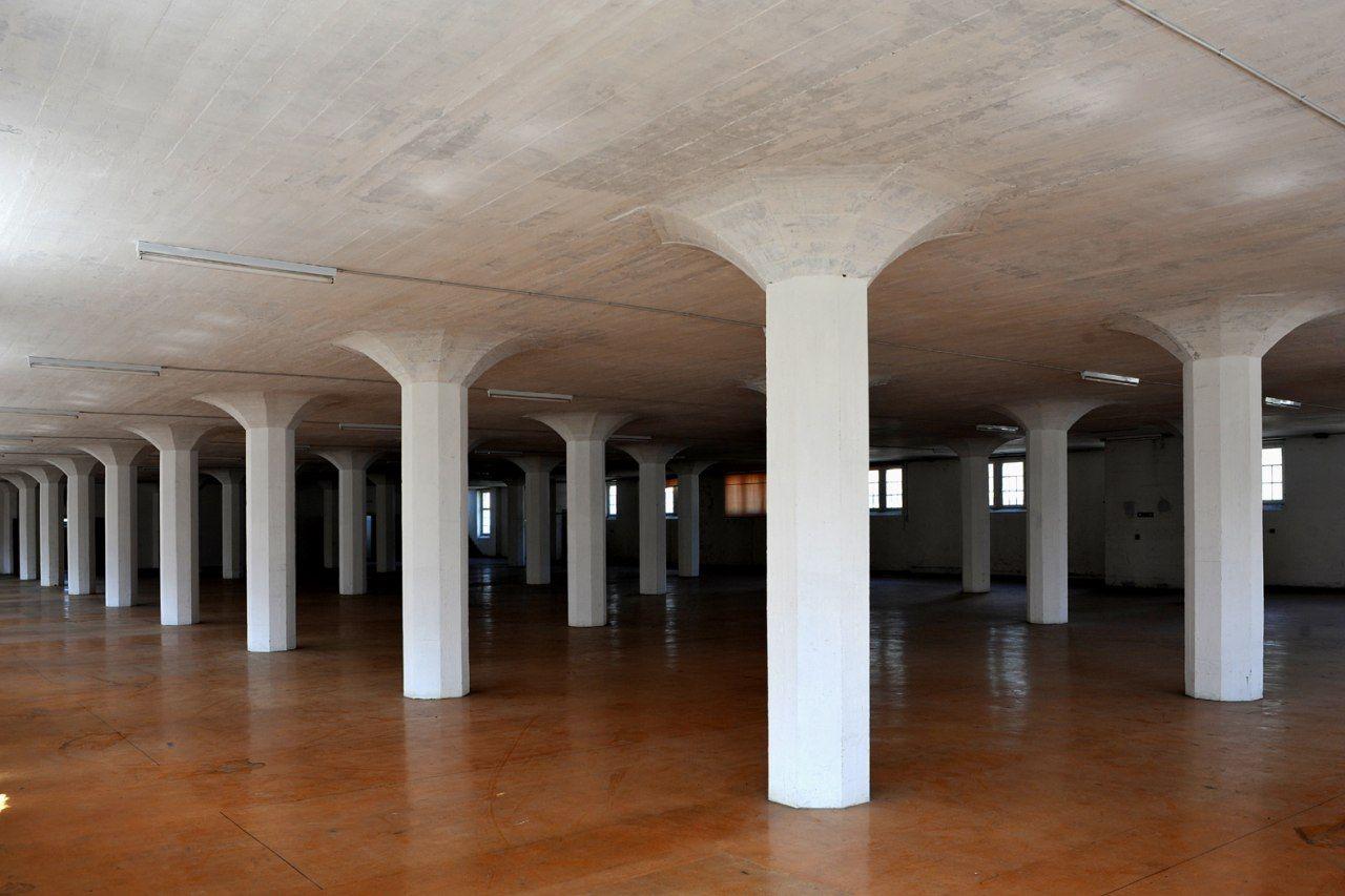 Laje de concreto: laje cogumelo com interior pintado de branco