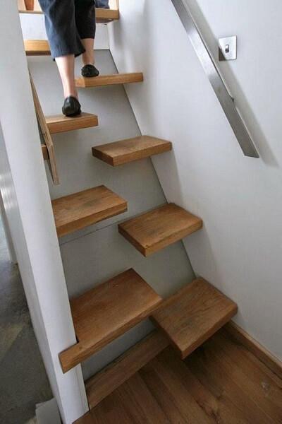 Escada Santos Dumont com degraus recortados na metade