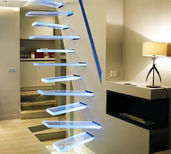 Escada Santos Dumont suspensa