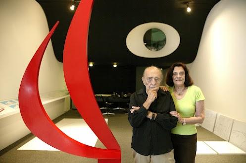 Museu de Arte Contemporânea de Niterói: Oscar Niemeyer e Anna Maria Niemeyer