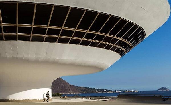 Museu de Arte Contemporânea de Niterói: Fachada de Vidro