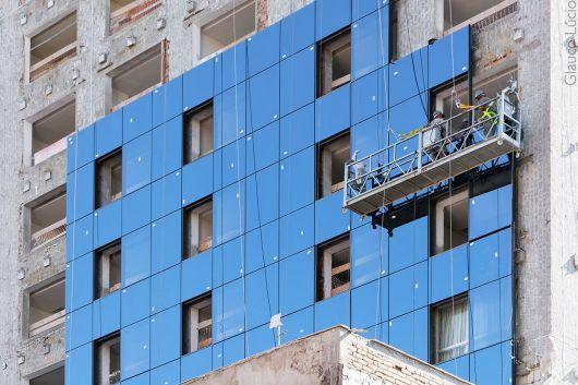 Fachada ventilada de vidro: instalação