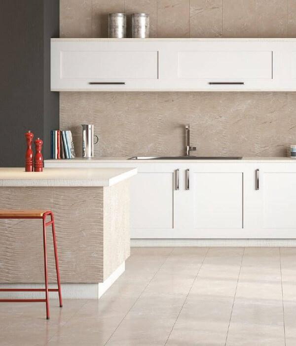 Cerâmica: piso de cerâmica na cozinha