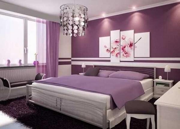 Cores primárias: quarto violeta (projeto Graziela Lara)