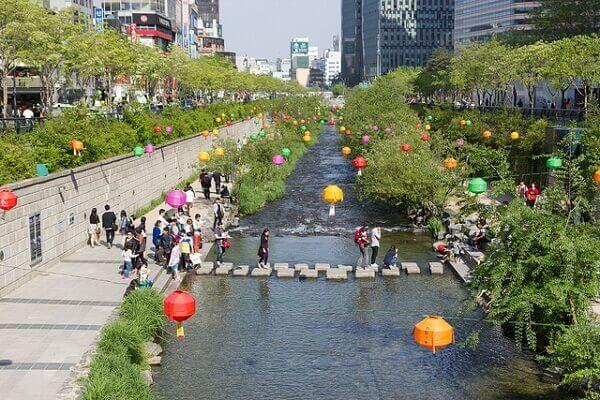 Maiores cidades do mundo: córrego Cheonggyecheon revitalizado