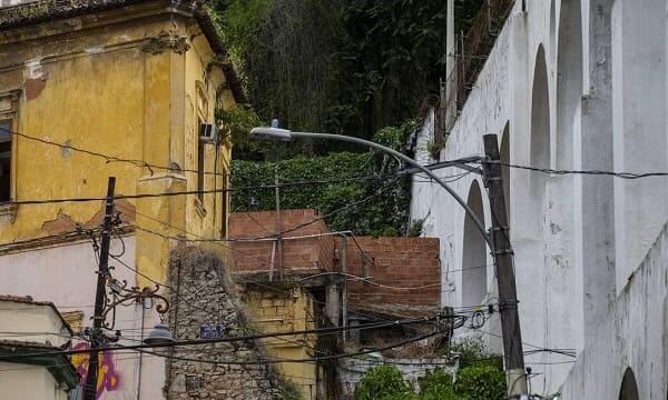 Arcos da Lapa: construção de puxadinho em 2018