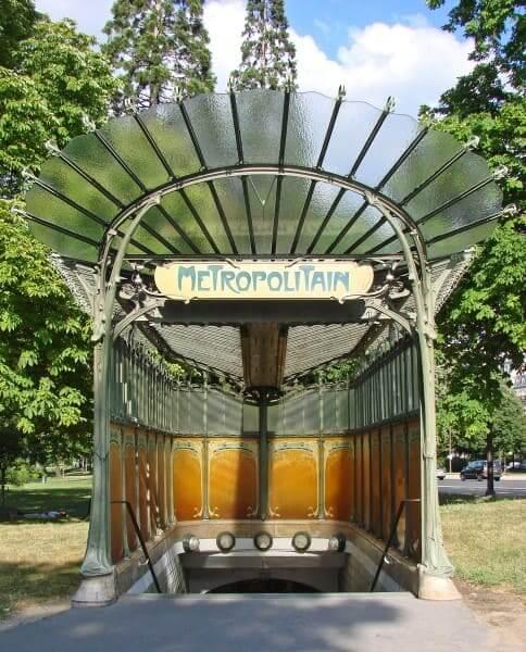 Art Nouveau: Style Metro (Hector Guimard) (foto: Wikipédia)