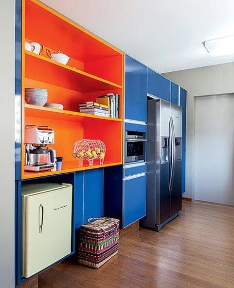 Círculo cromático: cozinha azul e laranja