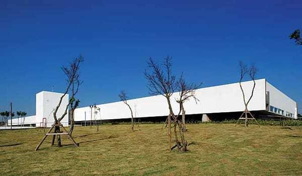Paulo Mendes da Rocha: Sabina – Escola Parque do Conhecimento (foto: Revista Projeto)