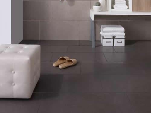 Porcelanato acetinado para banheiro cinza
