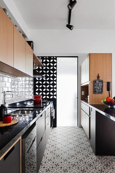 Porcelanato para cozinha: piso com imitação de ladrilho hidráulico