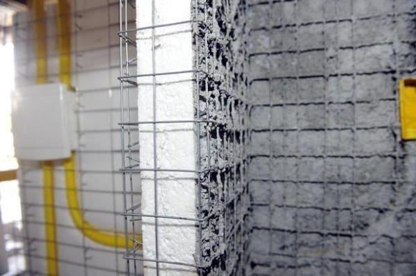 Como fazer uma casa de isopor: parede detalhada