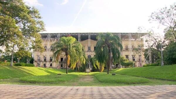 Museu da Quinta da Boa Vista em processo de restauração