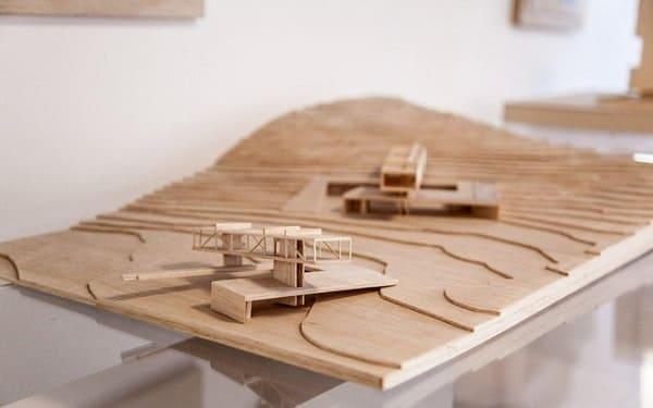 Como fazer uma maquete: maquete topográfica de madeira (fonte: 44 arquitetura)